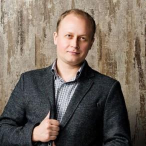 Дизайнер Алексей Астанков